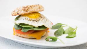 egg with avocado